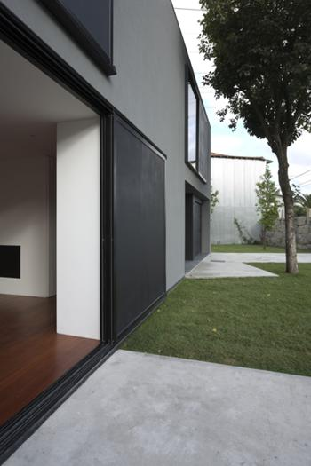 Foto da relação da sala com o exterior