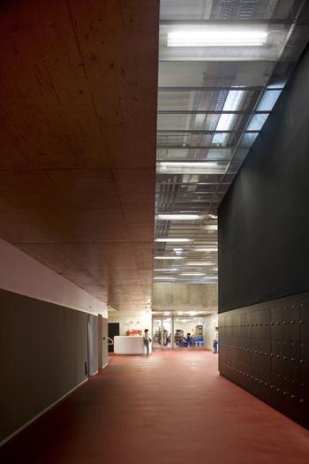 """learning street"" -  gabinetes de professores, auditório"