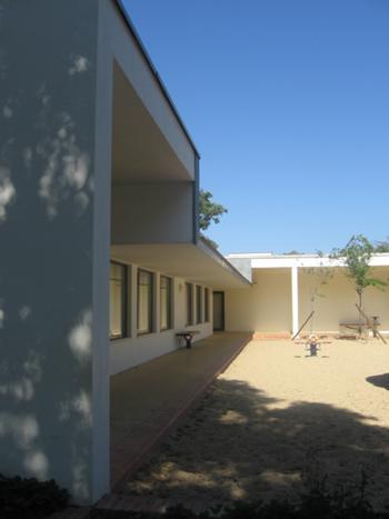 Vista do pátio a sul - recreio do jardim de infância