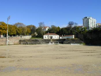 Existente - vista do campo e dos edifícios