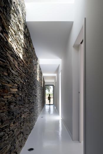 limite a Norte - corredor dos quartos