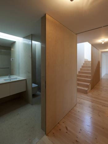 Interior - Inst. Sanitária e corredor Piso -2