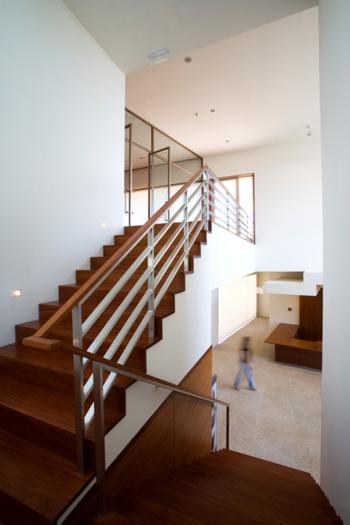 Interior - Escada e Átrio