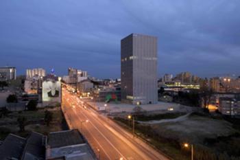 Perspectiva exterior - Avda. da Boavista (nocturna)