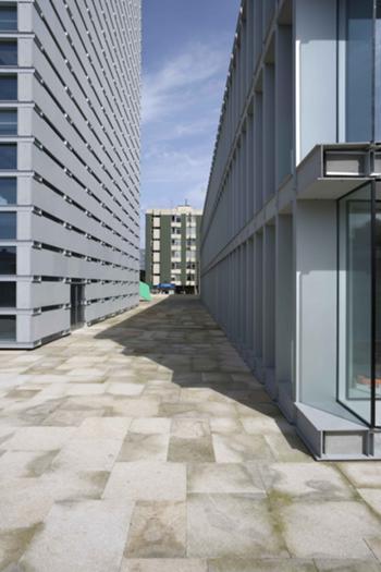 Pormenor exterior dos 2 edifícios