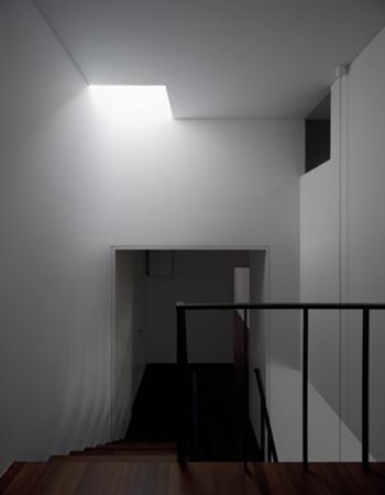 Habitação Unifamiliar, Leiria > Interior, Hall Quartos e iluminação zenital