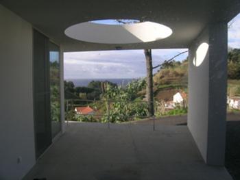 Entrada exterior coberta