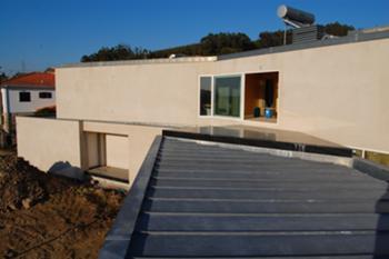 Fachada Poente: cobertura piso 1 e terraço