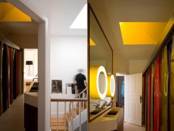 Casa M+M, Porto> Interior, Casa de banho piso 1 e Acesso vertical